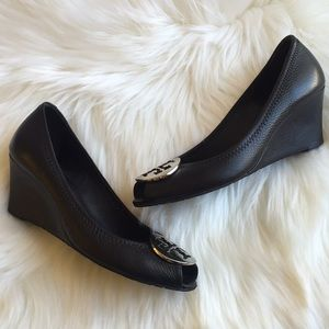 "Tory Burch Sally Wedges 2 Size ""8"""